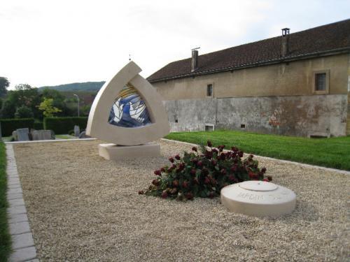 Jardin du Souvenir pour le cimetière de la commune d'Orny