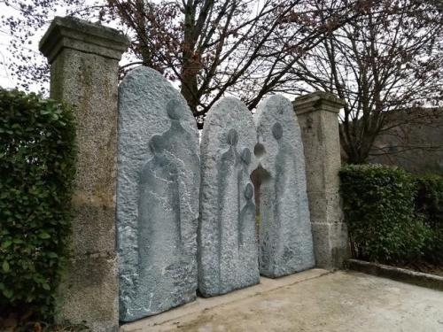 Sculpture Jardin du Souvenir en granit